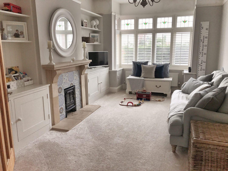Practicality and cozy aesthetics of the interior: fabric roleta 46